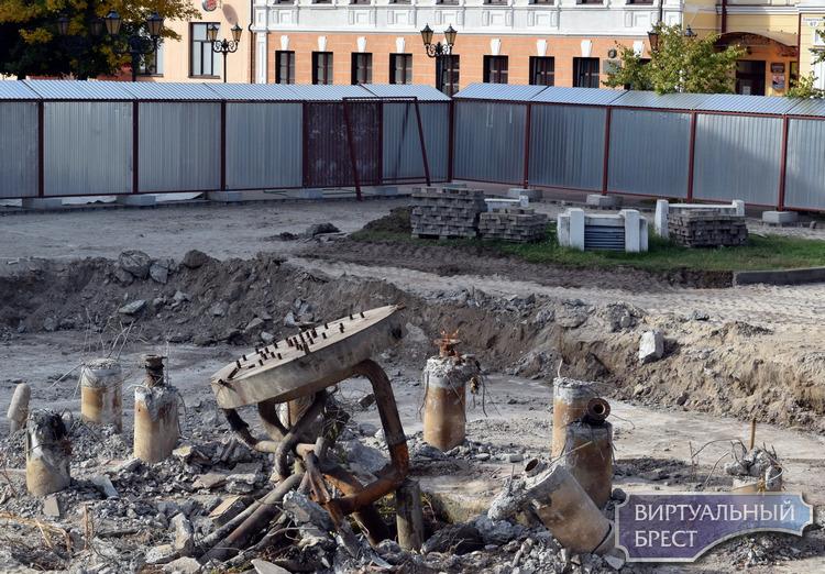 Старый фонтан возле кинотеатра уже демонтируют, а новый построят к 1000-летию Бреста