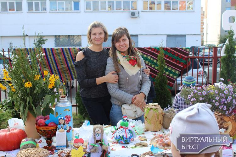 В ГУО «УПК ясли-сад-начальная школа №6 г.Бреста» прошла осенняя ярмарка – «Берасцейскі кірмаш»