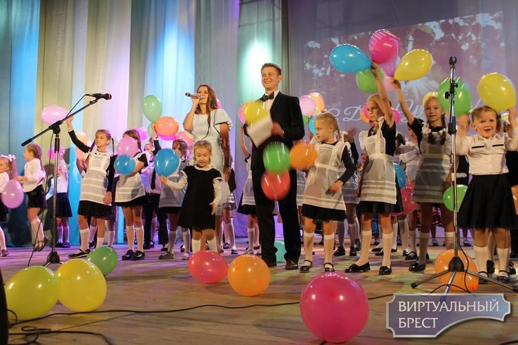 Педагогов Жабинковщины поздравили с Днём Учителя