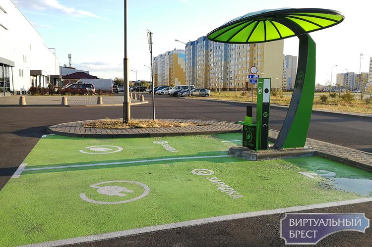 В Беларуси к 2022 году планируется запустить 431 станцию для зарядки электромобилей