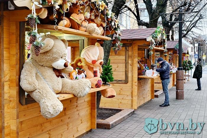 Домики для новогодней торговли появятся на Гоголя и пл. Ленина