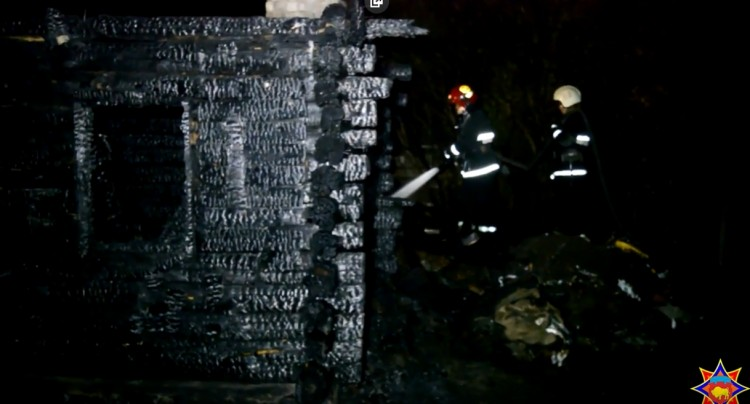 В Барановичском районе при пожаре погиб хозяин дома и его гость