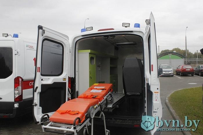 Два новых «Форда» получила скорая помощь в Бресте
