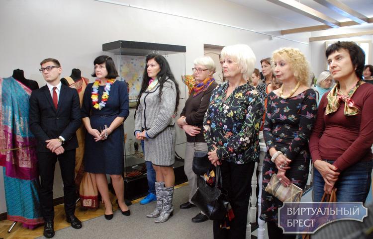10 октября в Бресте открылась выставка «Краски Индии»