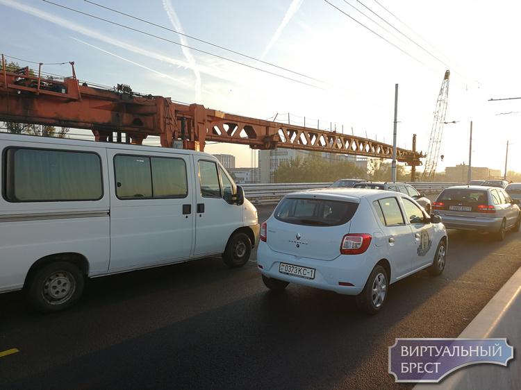 ГАИ предупреждает о заторах в Бресте и предлагает выбирать альтернативные маршруты
