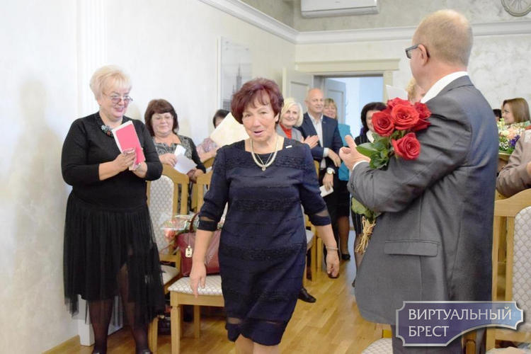 Галину Васильевну Скоковец чествовали с 70-летним юбилеем