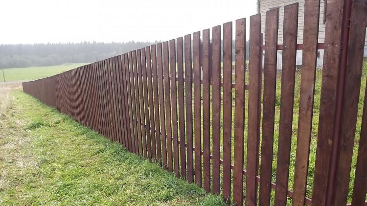 В Лунинецком районе мужчина застрял в заборе и задохнулся