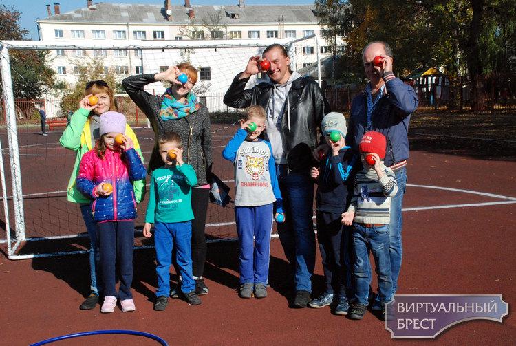 День матери отмечали в Бресте 13 октября в СШ №18