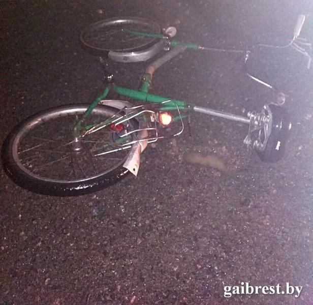Бесправник насмерть сбил велосипедиста в Пинском районе