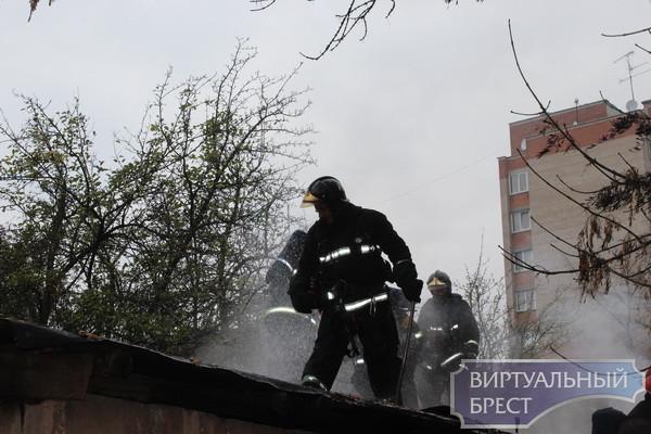 На ул. Халтурина в Бресте сгорел сарай, а на ул. О. Кошевого - жилой дом