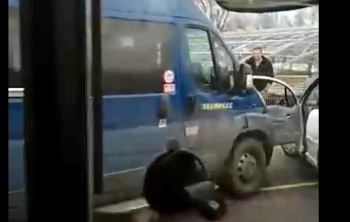 Стало известно, как вчера произошло ДТП на Кобринском мосту с участием маршрутки
