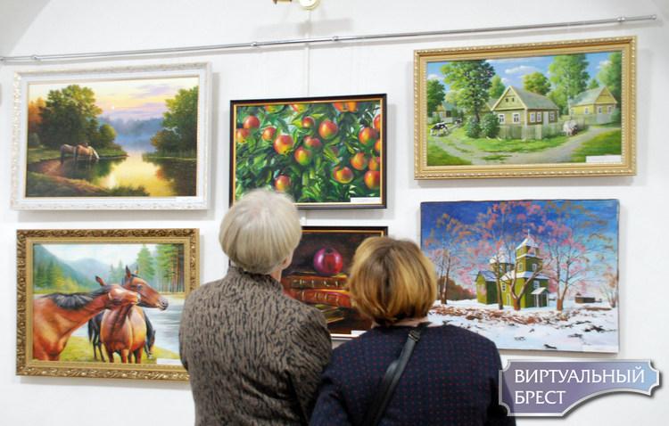В Художественном музее г. Бреста открылась выставка «Дыхание Родины». Это красиво...
