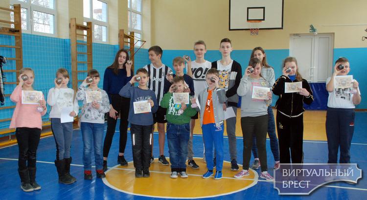 В преддверии Дня инвалидов в СШ№18 г. Бреста было организовано тематическое мероприятие
