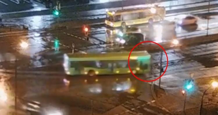 В Бресте ребенок едва убежал на переходе от автобуса