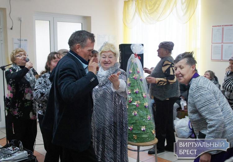 С добрым сердцем в Новый год! Акция в ГУ «Домачевский дом-интернат для престарелых и инвалидов»