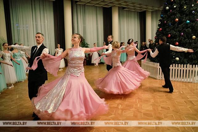 В Бресте состоялся ежегодный Рождественский бал