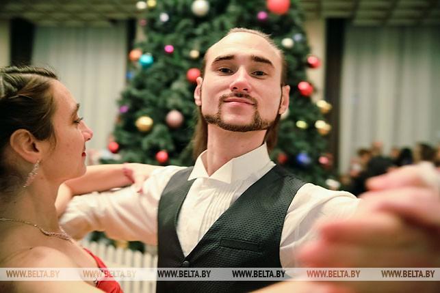 Виталий Щербин во время Рождественского бала