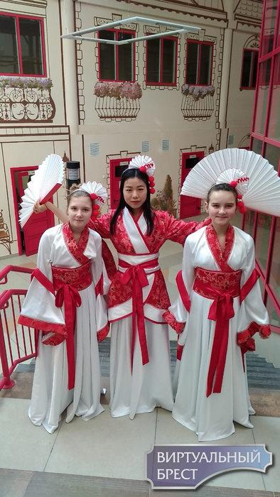 Язык открывает границы мира. Как в Бресте изучают китайский