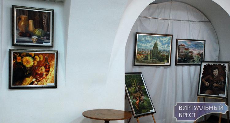 Открылась выставка «Берестейский маскарад красок»