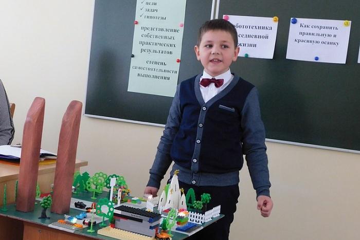 Геометрия снежинок и робот-полотер. В школе-саде №9 Бреста провели конкурс юных исследователей