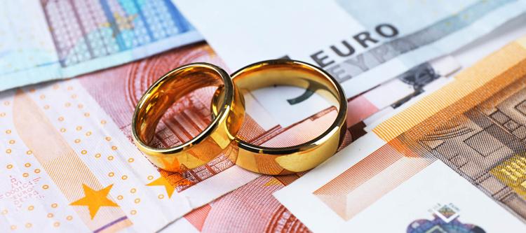 Сегодня в Пинске будут судить брачную аферистку, которая выманила у холостяка около 30 тысяч долларов