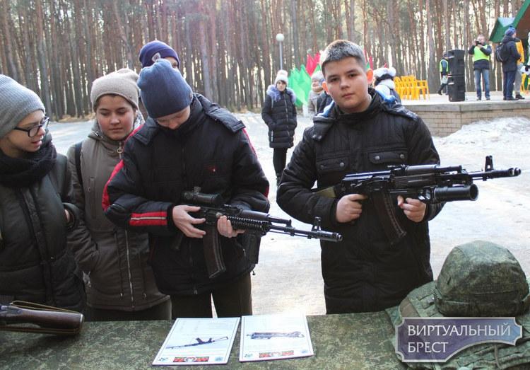 Военно-спортивный праздник, посвященный  30-летию вывода советских войск из Афганистана провели в Бресте
