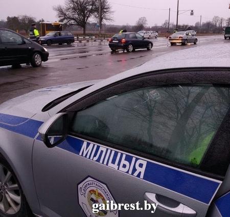 За три часа в г.Кобрине сотрудники ГАИ выявили 18 нарушений ПДД