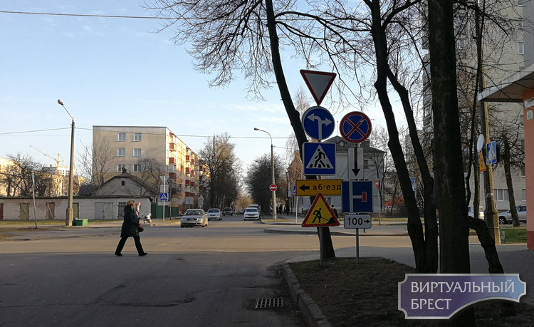 """Разбираемся, что там """"наворотили"""" на участке улиц Кирова и Салтыкова-Щедрина"""