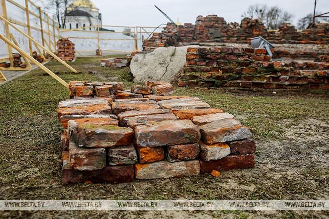 Руины здания инженерного управления Брестской крепости подготавливают к консервации