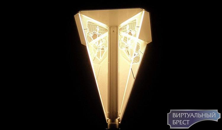 Уникальный фонарь появился в Бресте. Чем же он так уникален?