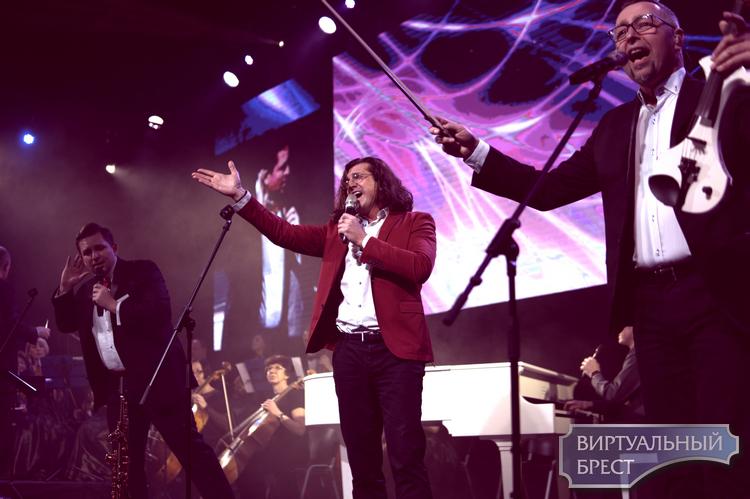 Проект «Lady's & gentlemen» представили Сильчуков, камерный оркестр и группа Спасение
