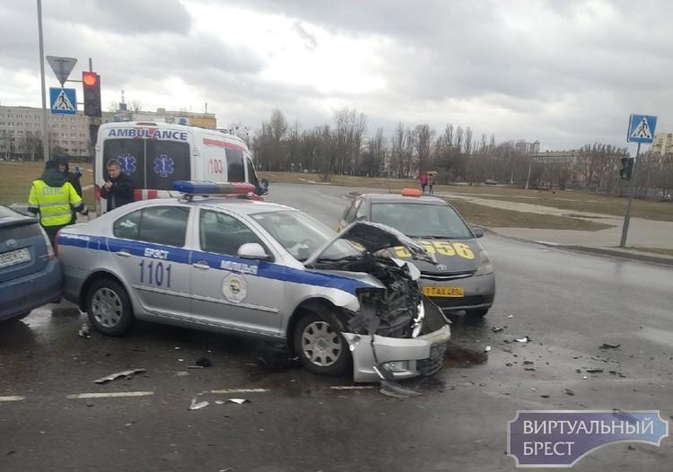 Пострадавший в аварии с участием ГАИ таксист из Бреста добился компенсации от милиции