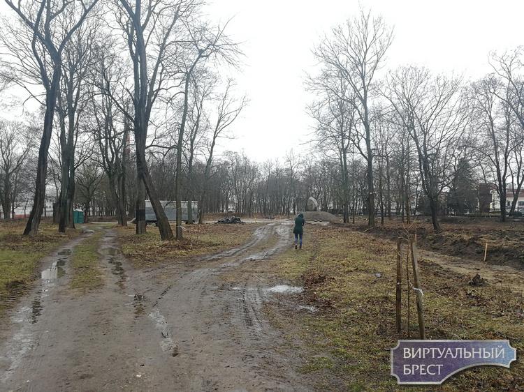 Как сейчас выглядит старый городской парк, который собираются возродить к тысячелетию