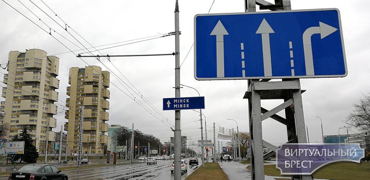 Сразу два перекрёстка лишились вторых полос для поворота направо. Это хорошо или плохо?