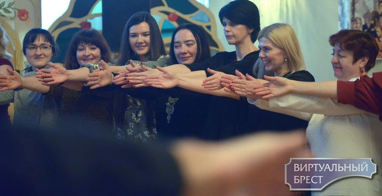 Ночью в Брестском театре зрителям предложили побыть немножко актёрами. Как это?