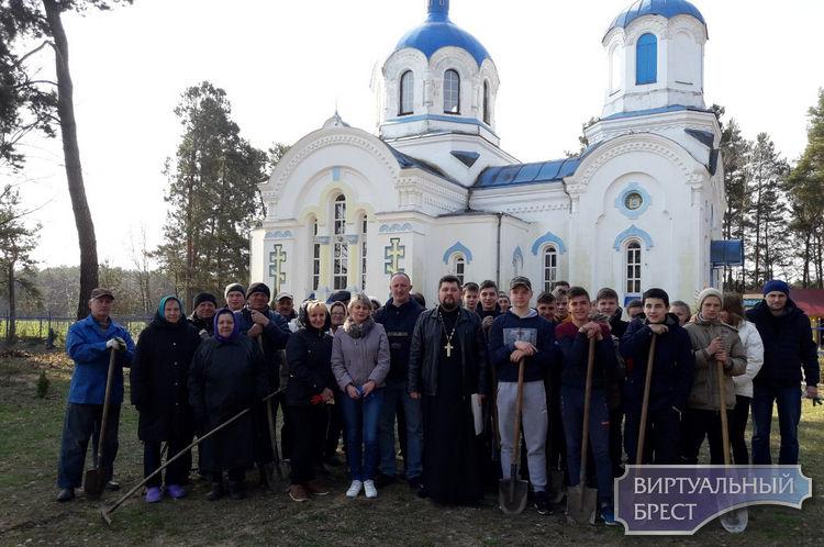 В Ленинском сельсовете продолжаются мероприятия по благоустройству территории