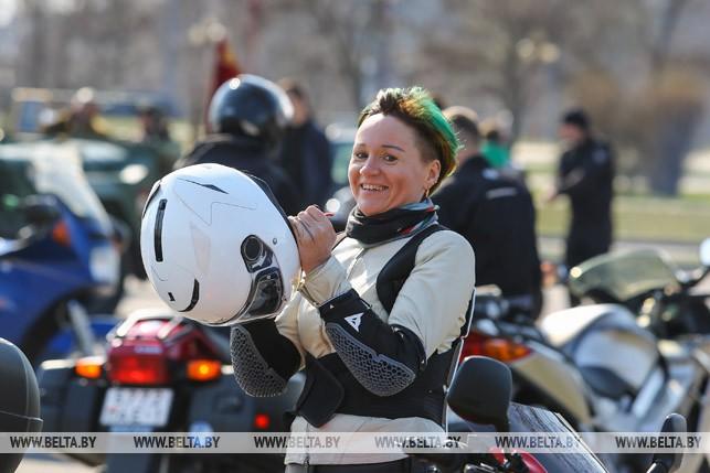 ФОТОФАКТ: В Бресте сегодня байкеры открыли мотозесон