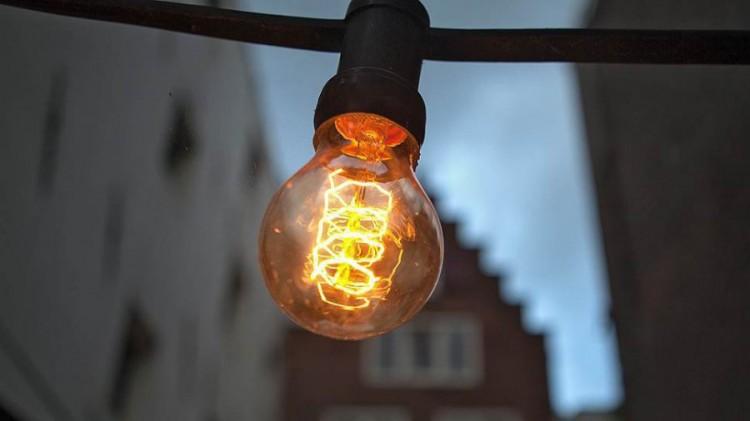Кому на этой неделе отключат электроэнергию и почему: по Бресту и по району