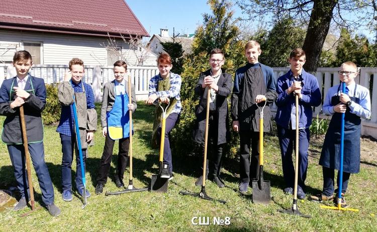 Более 45 тыс. человек и 100 тыс. рублей. Как проходил субботник в Ленинском районе г. Бреста