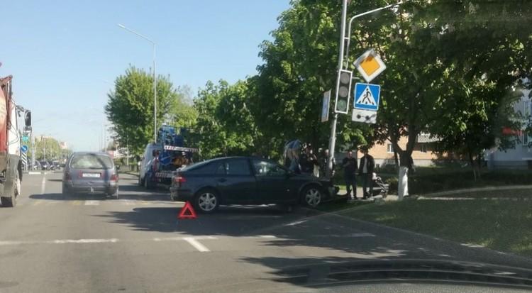Странное ДТП в Пинске - автомобиль развернулся на 270 градусов и врезался в столб