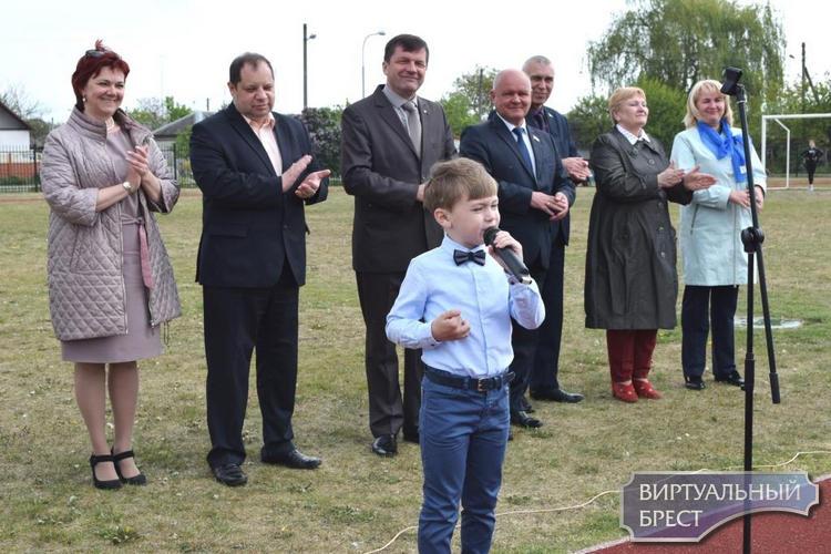 Спортивный праздник «Семейный круг» прошел в микрорайоне Граевка