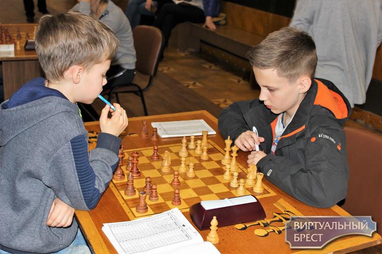 Шахматный турнир памяти семикратного чемпиона Беларуси В.С. Сайгина провели в Бресте