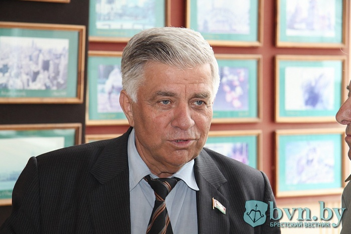 Выставку фотографий бывшего главы СПК «Остромечево» Алексея Скакуна открыли в Бресте