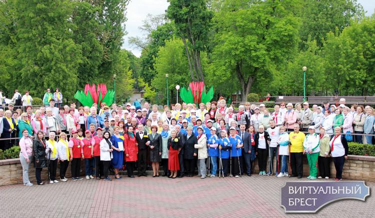 Слет любителей скандинавской ходьбы состоялся в Бресте