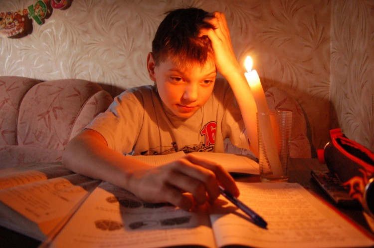 Готовимся к отключению электроэнергии - где, кому и почему?