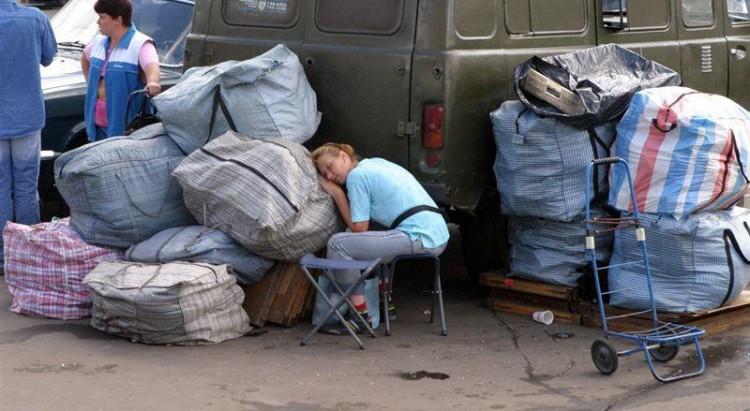 В Столинском районе «челноки» попросили парней провезти товар через границу, а те их обокрали