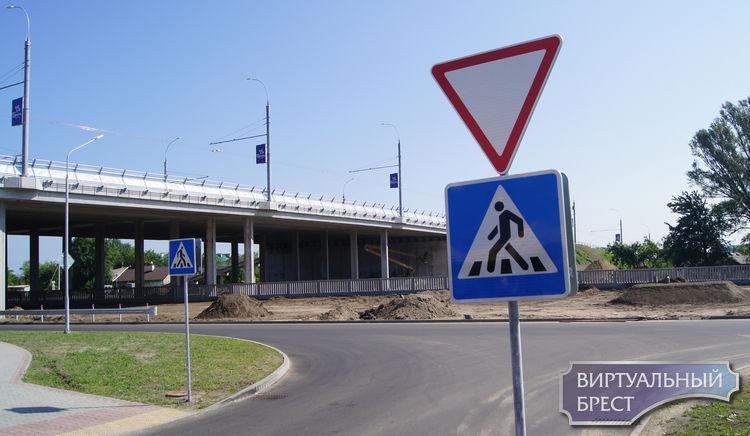 """Какие """"косяки"""" мы заметили на новом Кобринском мосту и вот что теперь со всем этим делать?"""