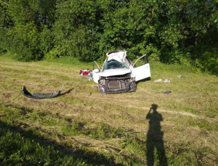 Малоритский район: водитель отвлекся от управления и допустил опрокидывание автомобиля