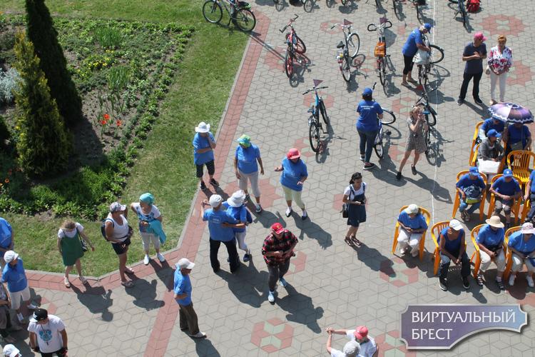 В Бресте состоялся 1-й областной велофестиваль «Два колеса»