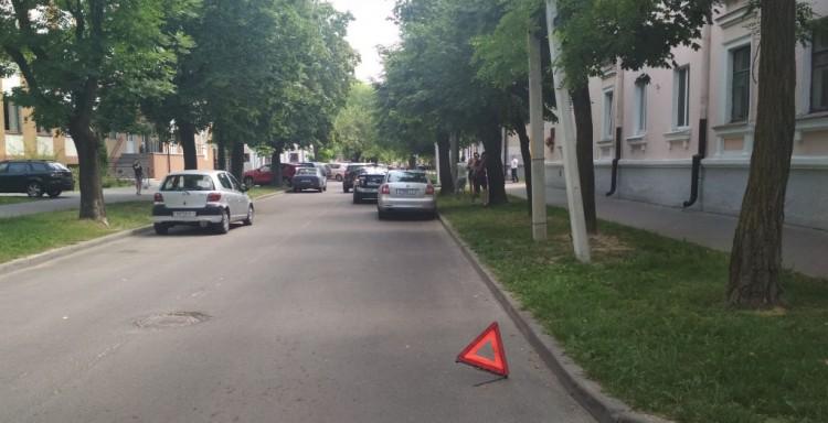 6-летний ребенок попал под колеса автомобиля такси